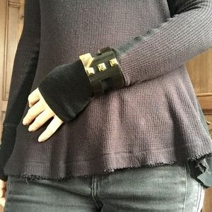 Jewelry - Naturally sourced horn cuff bracelet